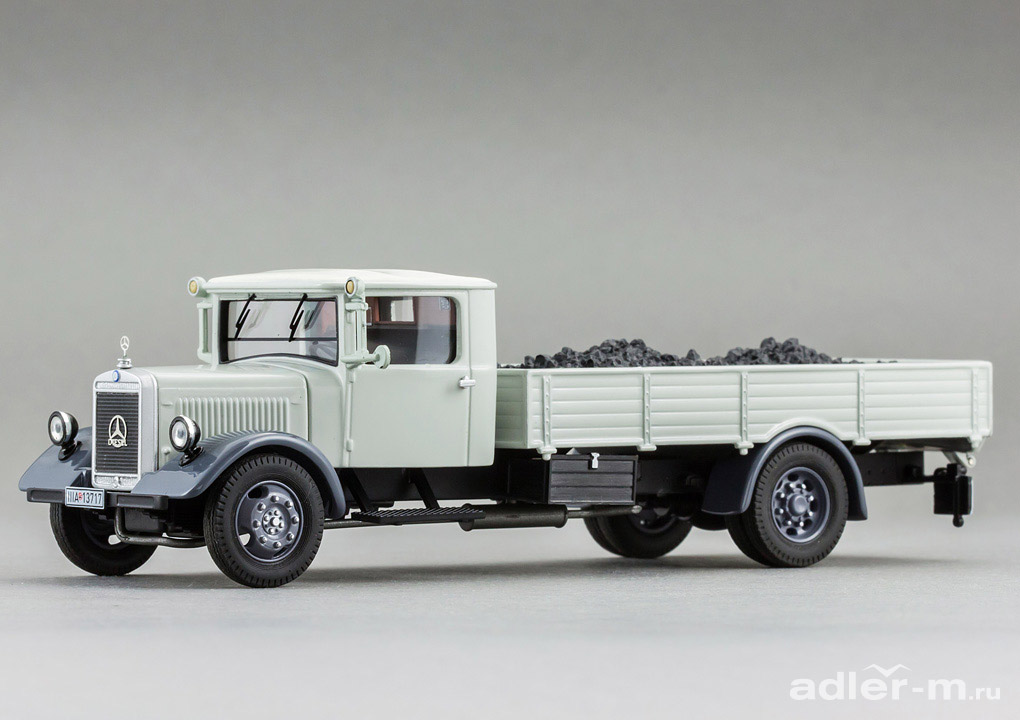 Mercedes-Benz 1:43 Mercedes-Benz LO2750 pick up with coles (grey) PCL12601